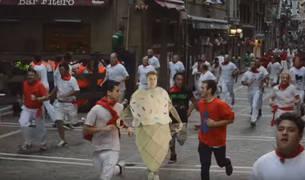 Pantallazo del nuevo vídeo de Justin Bieber en el que 'corre' el encierro