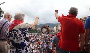 Foto de un grupo de jubilados, durante una manifestación en Bilbao por unas pensiones dignas.