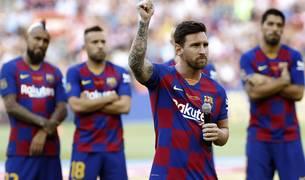 Leo Messi volverá a liderar, 14 años después de su debut en el primer equipo, al campeón de Liga. El capitán blaugrana será el más observado por los aficionados, y también el más temido. El Sadar, como casi todos los campos, se le da muy bien.