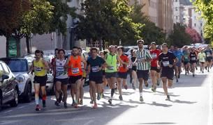 Más de medio millar de corredores han tomado parte en una de las actividades estrella del Día del barrio pamplonés.