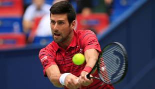 foto de El serbio Novak Djokovic ha sido eliminado del Masters 1000 de Shanghái por Stefanos Tsitsipas