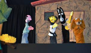 La obra 'Los músicos de Bremen' es un teatro de títeres de la compañía Retablo de la Ventana.