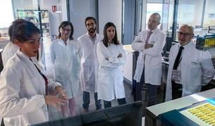 Foto de un momento de la visita a las instalaciones del CNTA en San Adrián.