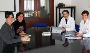 De izda. a dcha., Usune Etxeberria, Lucía Gayoso, Miguel Ruiz-Canela y Leticia Goñi.