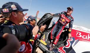 Carlos Sainz gana su tercer Dakar
