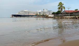 Foto del crucero 'Westerdam' en el puerto de Camboya.