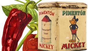 Antigua lata de pimentón Mickey (Hakes.com) e ilustración botánica de pimientos. CC PD