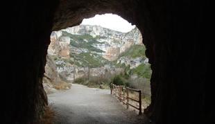 Vista de la Foz de Lumbier desde uno de sus túneles