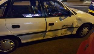 Foto de un vehículo accidentado en Pamplona.