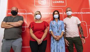 La nueva Ejecutivo del PSN de Estella, de izda. a dcha. Fran Moleón, María Sanz de Galdeano, Beatriz Lana y Alberto espejo.