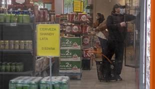 Foto del interior de un supermercado DIA en Estella.