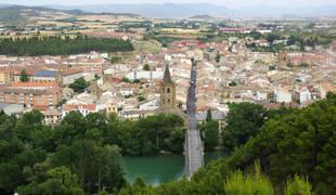 Vista general del casco urbano de Sangüesa, localidad en la que culmina el primer tramo del Camino de Santiago por la vía aragonesa.