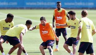 Foto de varios jugadores del Barcelona, en el entrenamiento de este miércoles.