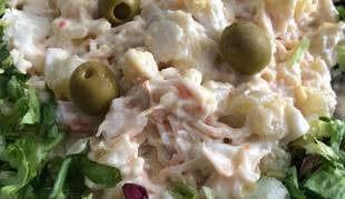 Esta ensaladilla de langostinos y txaka es una de las tres recetas geniales para