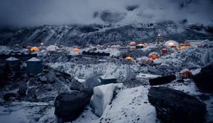 Una vista parcial del actual Campo Base del Everest.