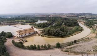 Imagen del inicio del Canal Imperial y la casa de compuertas de El Bocal.
