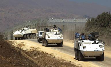 Miembros de la Fuerza de la ONU en los Altos del Golán (UNDOF) en la frontera siria con Israel.