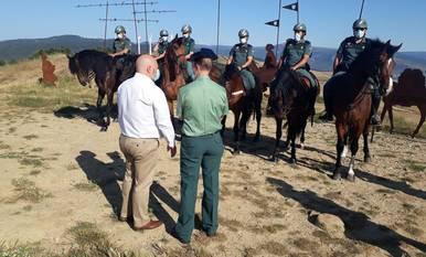 La Guardia Civil vigila a caballo el Camino de Santiago en Navarra