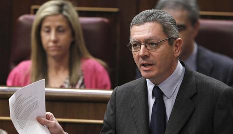 El ministro de Justicia, Alberto Ruiz-Gallardón, durante una de sus intervenciones en el pleno del Congreso de este miércoles.