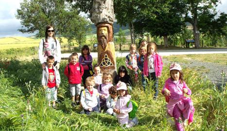 Alumnos de Infantil de Urroz-Villa, en el parque celta de Lizoáin