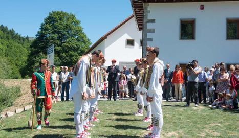 En la inauguración de las Casas de Irati
