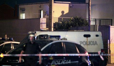 La Policía Nacional localiza material explosivo en un piso de La Línea de la Concepción (Cádiz), donde residían tres miembros de Al Qaeda.
