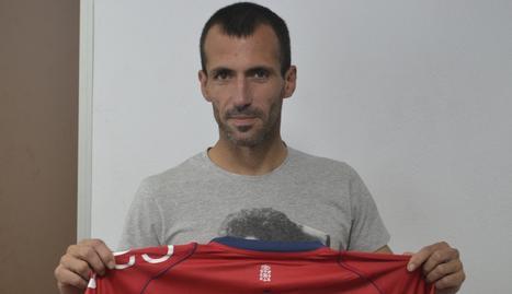 Puñal recibió este lunes una camiseta conmemorativa tras igualar el récord de José Manuel Echevarría