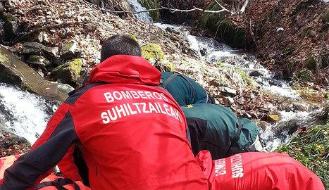 Imagen del rescate del cuerpo del peregrino.. GN
