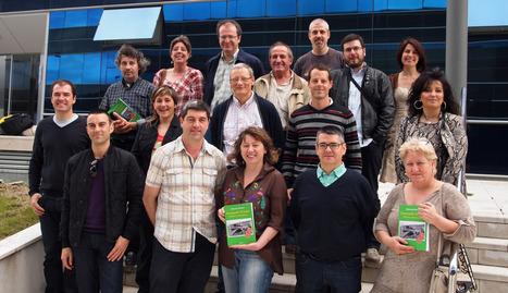 Alcaldes de poblaciones vinculadas al antiguo ferrocarril arroparon la presentación del libro.. ASER VIDONDO