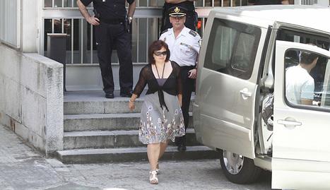 Momento de la salida de la Audiencia Provincial de Córdoba de Ruth Ortiz.. efe