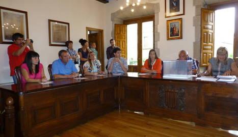 Una imagen de la sesión de constitución del nuevo Ayuntamiento de Viana en junio.