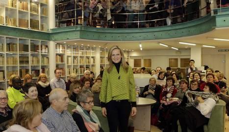 Isabel San Sebastián en el club de lectura de Diario de Navarra