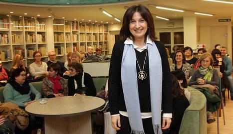 Paloma Sánchez-Garnica en el club de lectura de Diario de Navarra