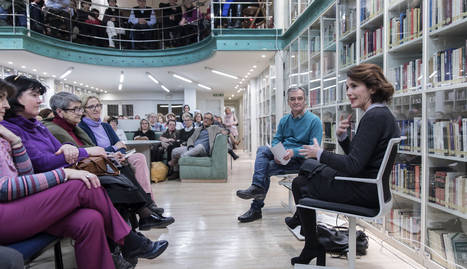 Ayanta Barilli en el Club de Lectura de Diario de Navarra