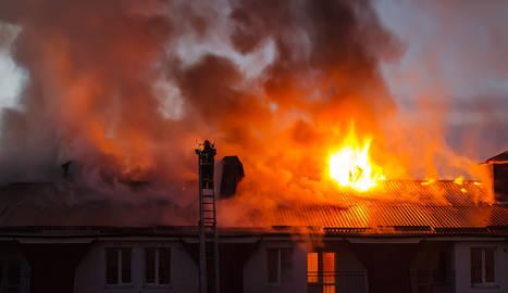 C mo actuar en caso de incendio en casa qu cubre el seguro de hogar noticias de seguros en - El seguro de casa cubre el movil ...