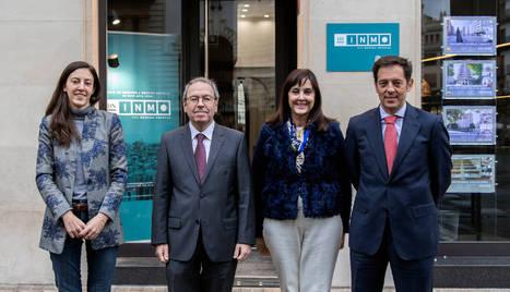 Foto de María Aizpún Abascal (responsable de DN INMO), Virgilio Sagüés (presidente del grupo La Información), Menchu Abascal (responsable de DN INMO) y Pablo Frauca (director financiero y de nuevos negocios de La Información).