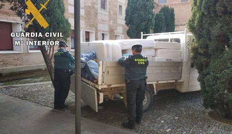 La Guardia Civil ayuda en una residencia en Fitero y a personas sin recursos