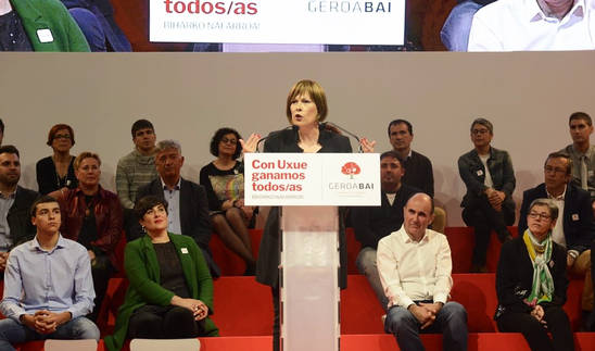Uxue Barkos durante el acto central de campaña de Geroa Bai en el Navarra Arena.