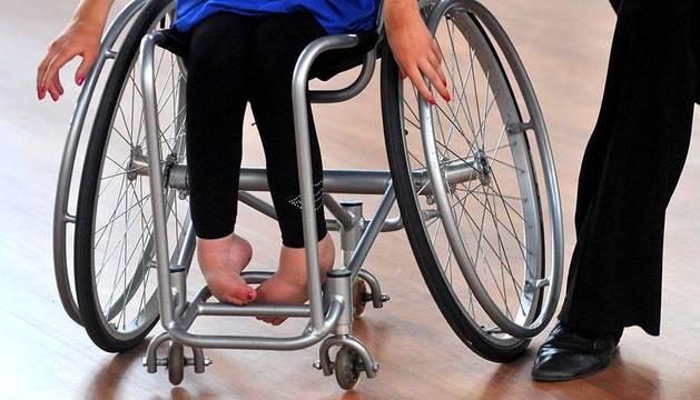 Entrenamiento en Minsk de bailarines en silla de ruedas.