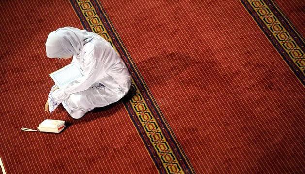 Imágenes del cuarto día del Ramadán en Jakarta