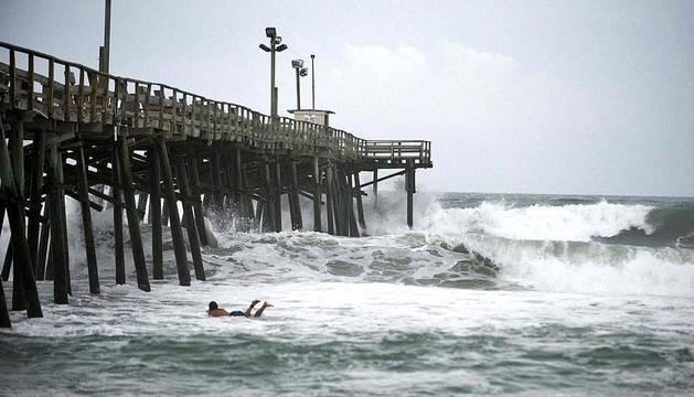 Varios estados y miles de ciudadanos se mantienen en alerta ante el inminente paso del huracán