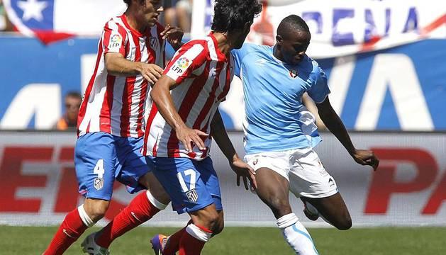 Osasuna consigue un empate en el Vicente Calderón en la segunda jornada de la temporada 2011/2012.