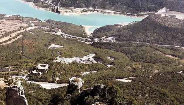 Trabajos de construcción de la Autovía del Pirineo.
