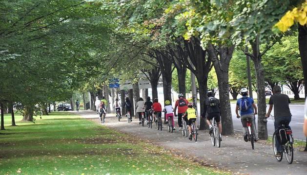 Dentro de la Semana de la Movilidad, los interesados han podido realizar un trayecto desde la Vuelta del Castillo recorriendo las murallas de Pamplona