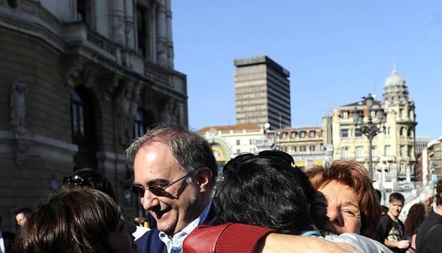 Imágenes de este sábado 22 de octubre, de diferentes actos celebrados tras el comunicado de ETA del jueves