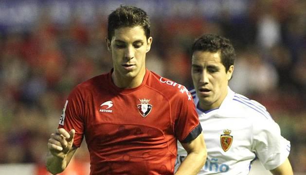 Imágenes del partido entre Osasuna y el Zaragoza, en el que los rojillos se impusieron 3-0 durante la novena jornada del Fútbol de Primera División.