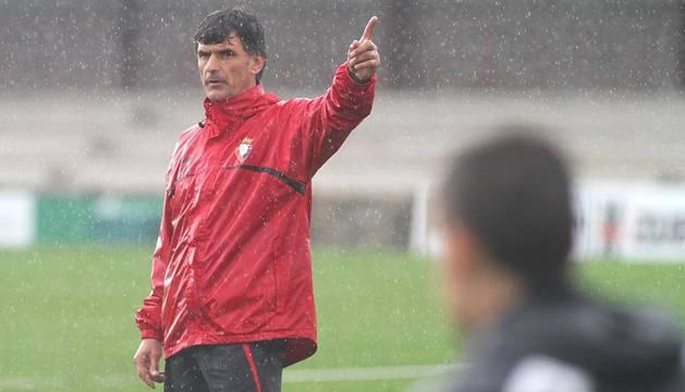 Imágenes del entrenamiento del C.A. Osasuna en las instalaciones de Tajonar tras el empate 2-2 contra el Getafe en el Coliseum Alfonso Pérez.