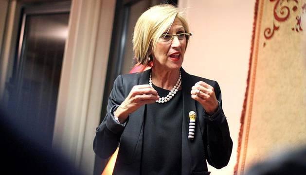 Rosa Díez, en Pamplona un día antes del comienzo de la campaña electoral del 20-N.
