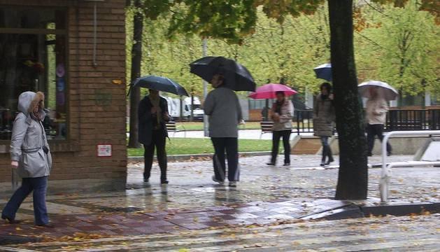 Imágenes de las lluvias intensas que se han precipitado en Navarra durante este fin de semana, en especial en la mitad norte de la Comunidad foral.