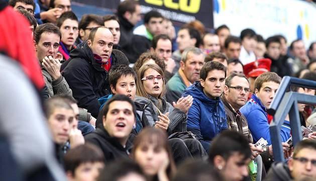 Imágenes de la afición del Reyno de Navarra en el encuentro Osasuna 0 - Rayo Vallecano 0.